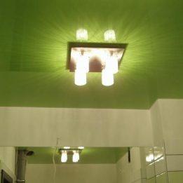 зеленый глянцевый